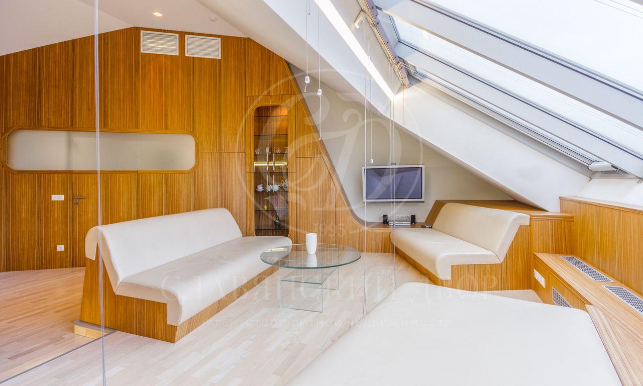 Двухуровневая квартира вклубном доме