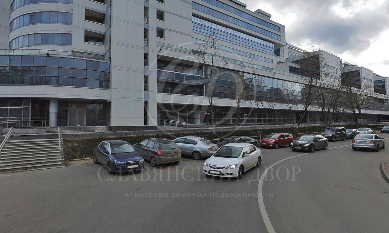 Продажа торгового помещения вмногофункциональном комплексе