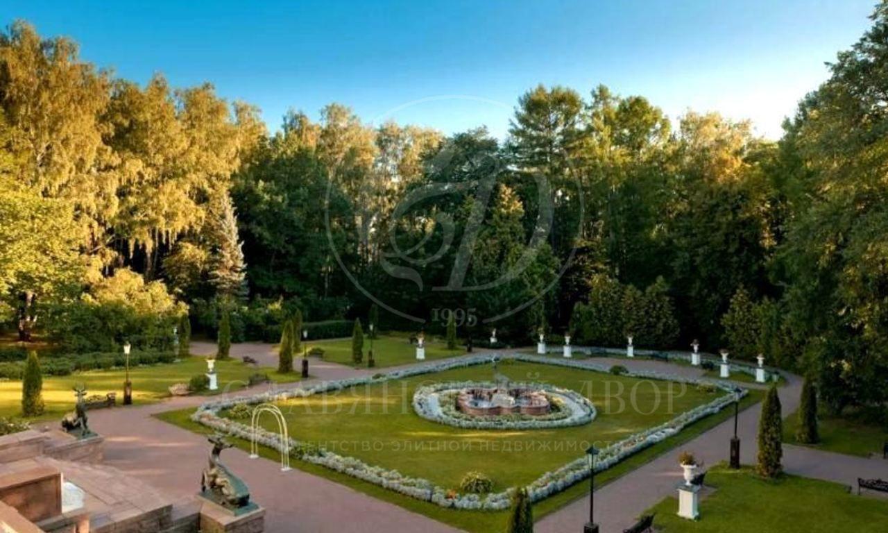 Аренда фамильной усадьбы спарком вцентре Москвы