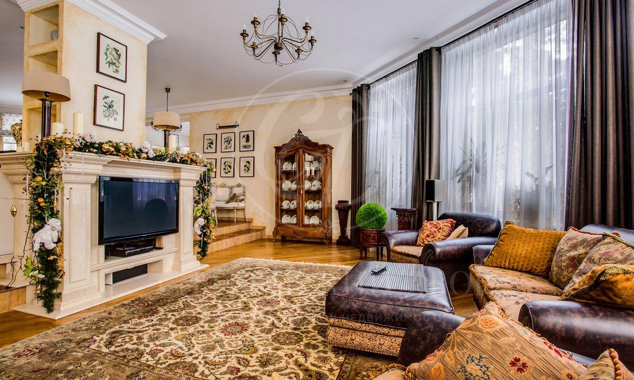 Варенду дом впоселке Красная Поляна