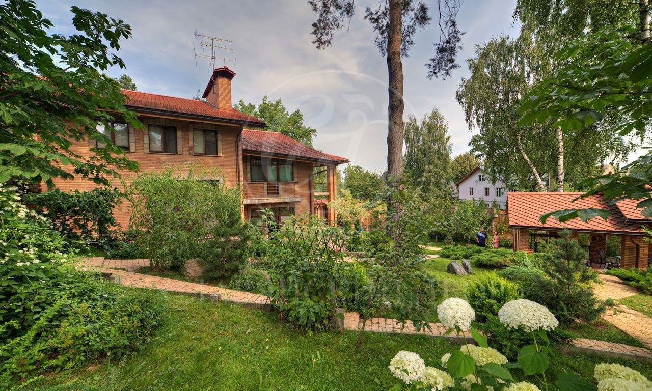 На продажу дом впоселке Жуковка