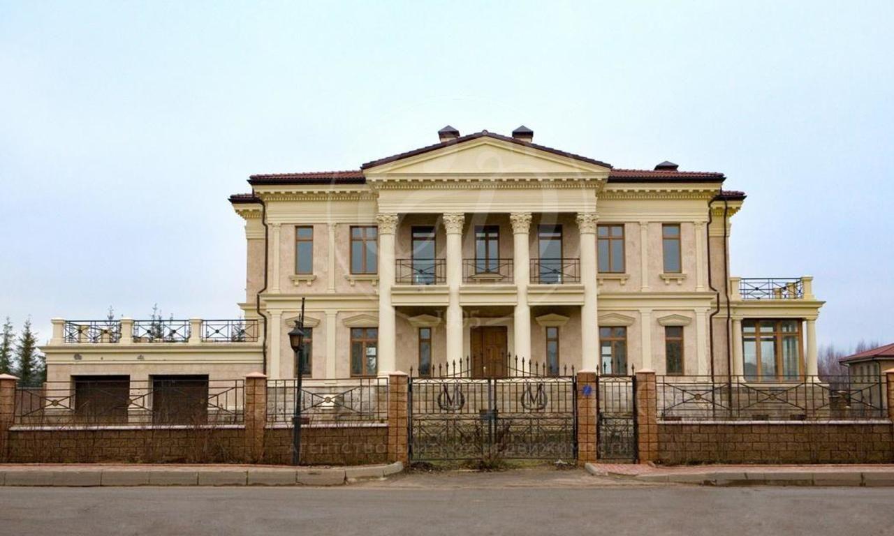 Большой дом вклассическом стиле на Новой Риге, поселок Монолит!