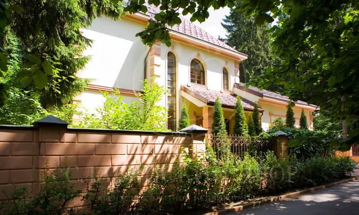 Продажа дома впоселке Жуковка-3, Рублево-Успенское шоссе