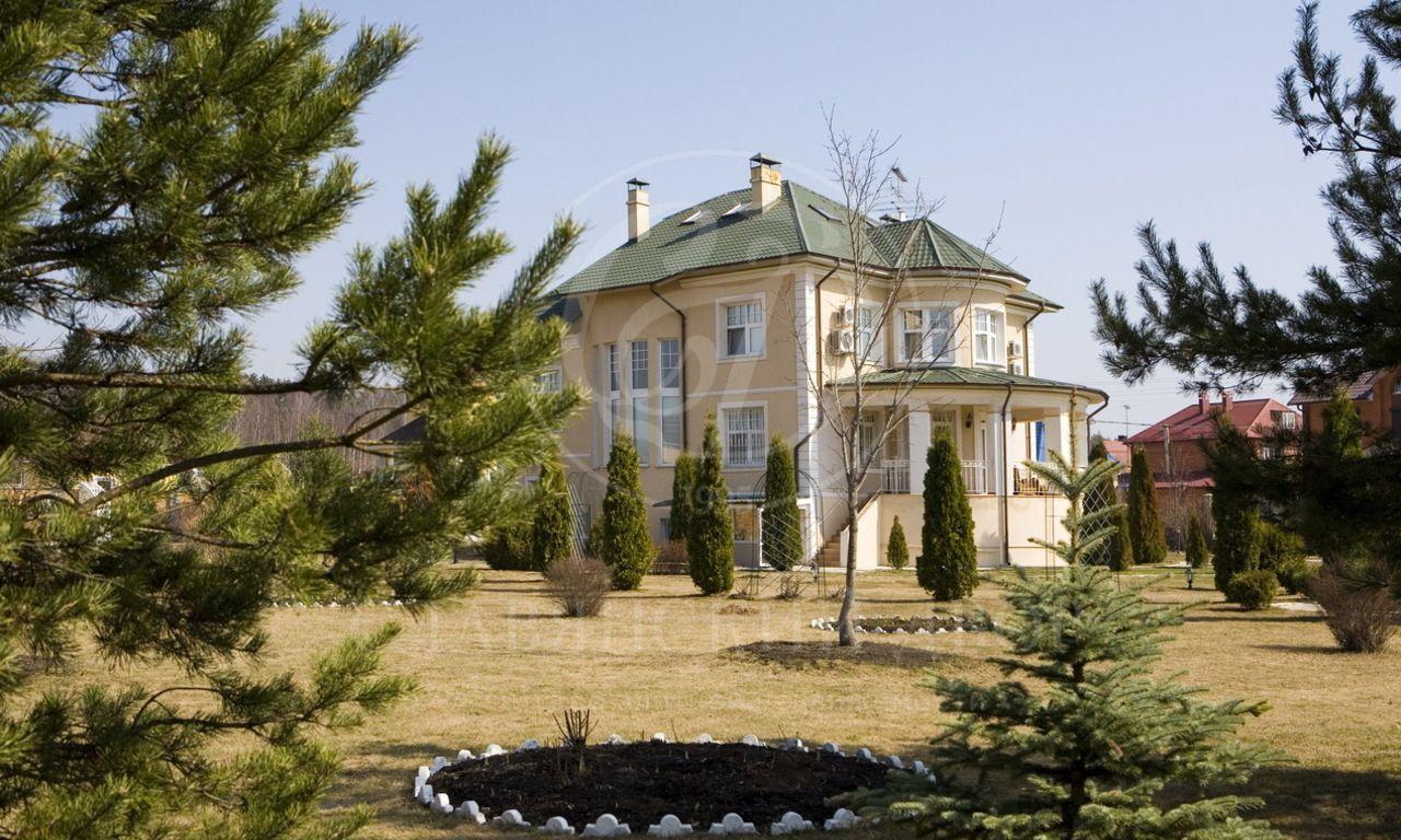 На продажу дом впоселке Ларюшино