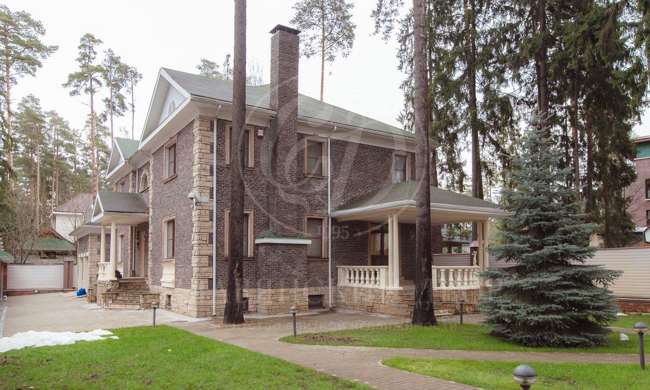 Варенду дом впоселке Жуковка  Академическая