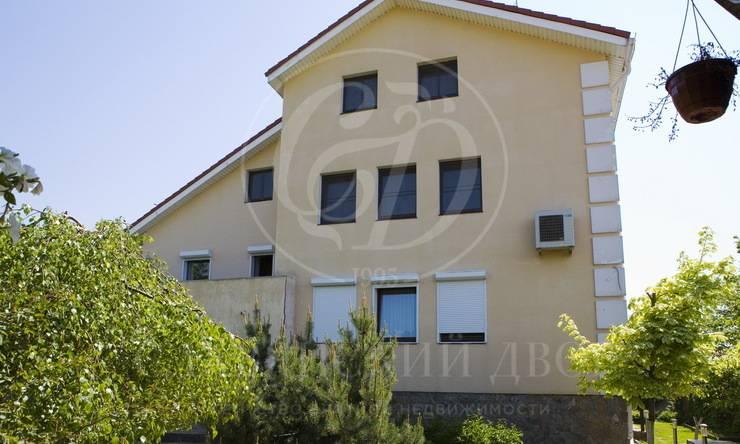 На продажу дом впоселке Пион