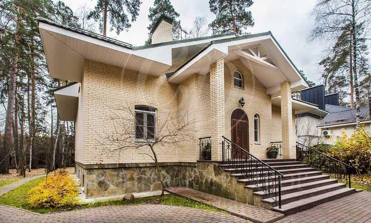 Варенду дом впоселке Конус