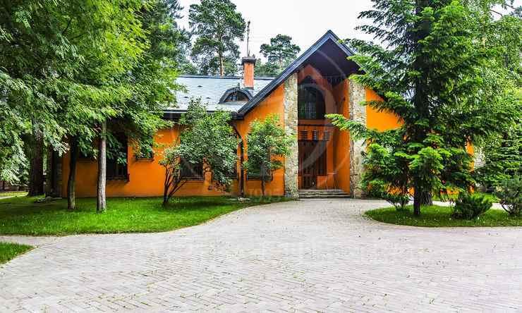 Варенду дом впоселке Зеленая Лощина