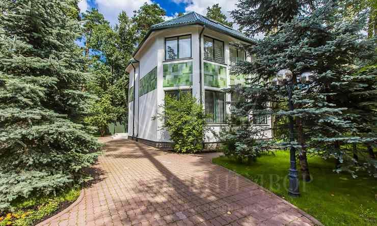 На продажу дом впоселке Сосновый мир