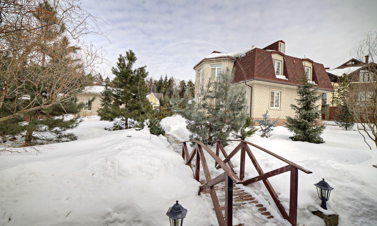 На продажу дом впоселке Пенаты , Новорижское шоссе