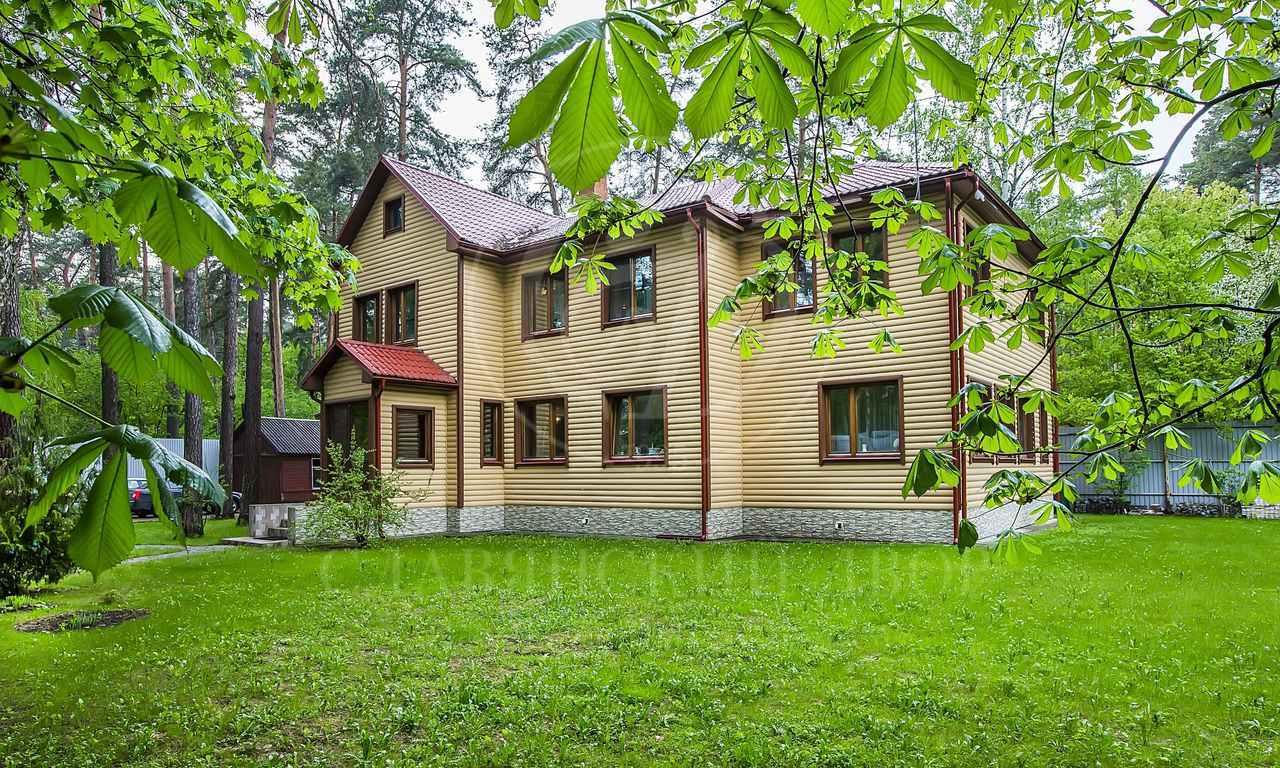 На продажу дом впоселке Новь