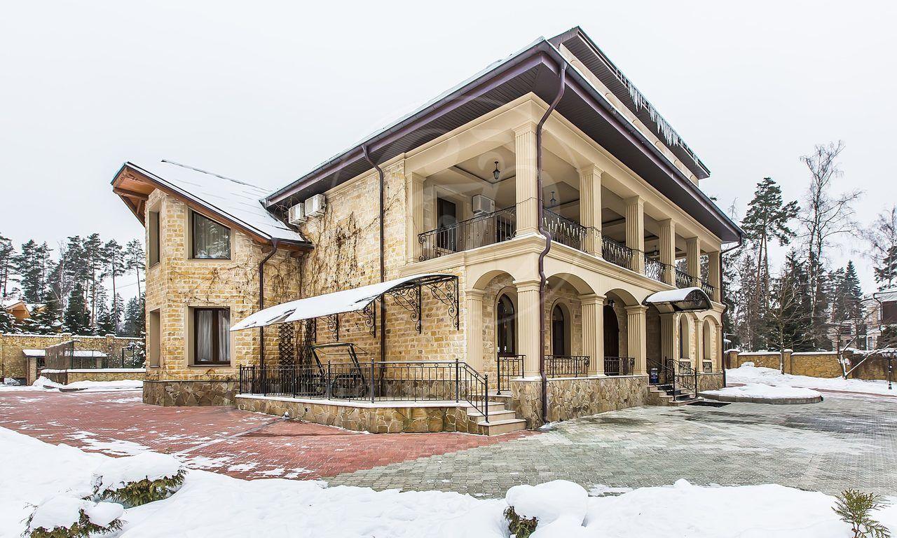 На продажу дом впоселке Жуковка-3, Рублево-Успенское шоссе