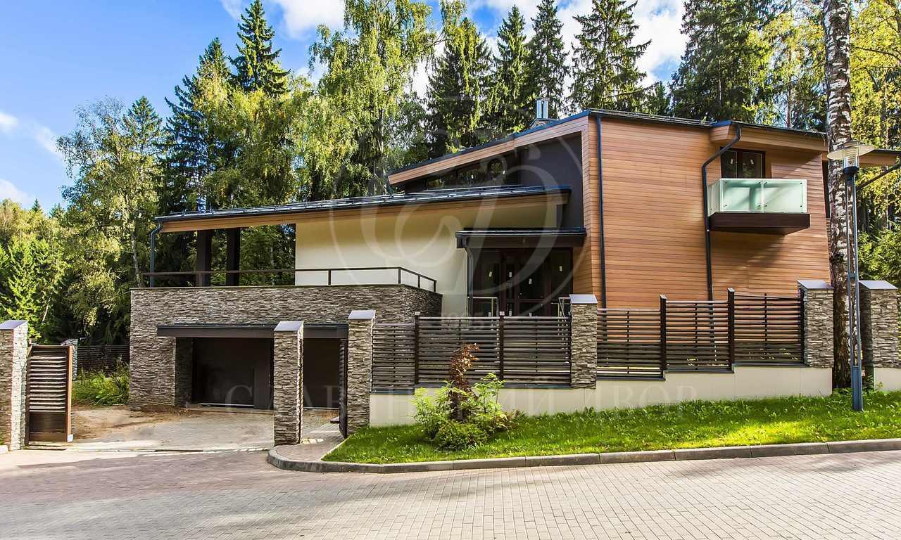 На продажу дом впоселке Полянка