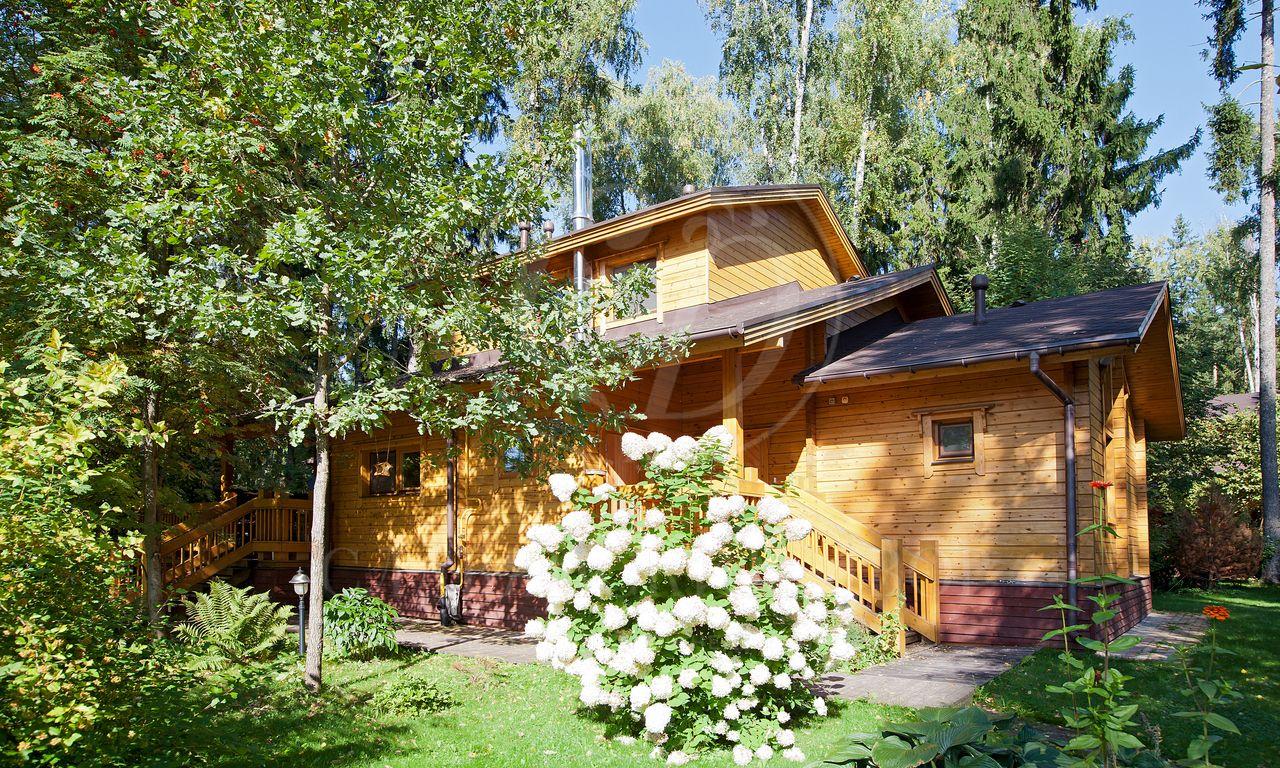 На продажу дом впоселке Оптимист