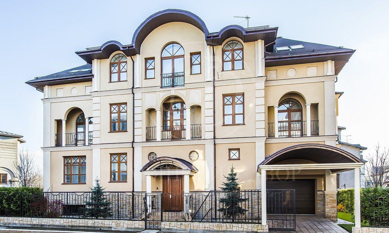 Дом вчерте города