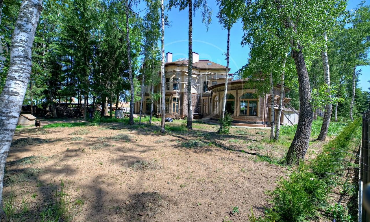 На продажу дом впоселке Шервуд