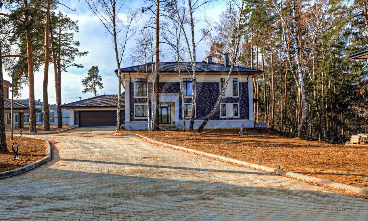 На продажу дом впоселке Петрово-Дальнее