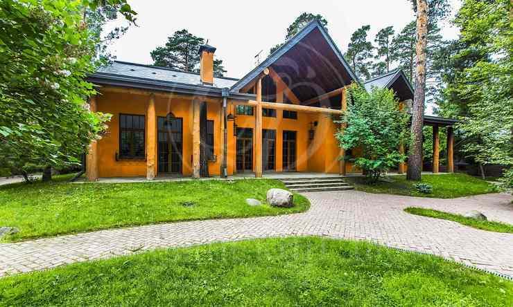 На продажу дом впоселке Зеленая Лощина