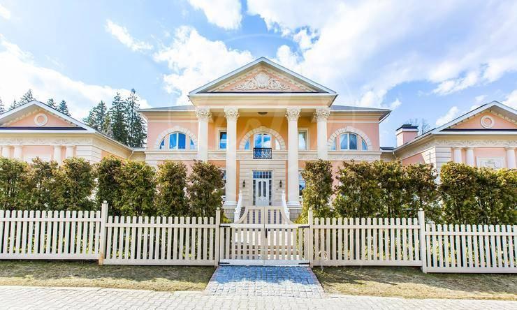 На продажу дом впоселке Николино