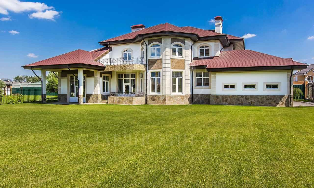 Новый дом сбассейном вАрхангельском