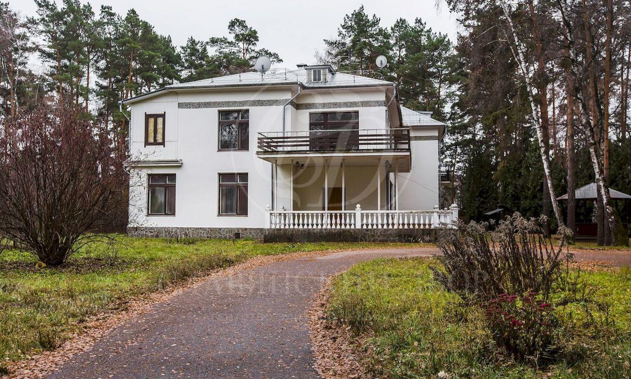 Варенду дом впоселке Горки-6