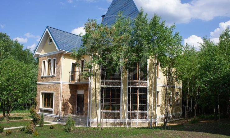 На продажу дом впоселке Лапино