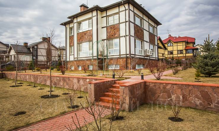 Варенду дом впоселке Европа