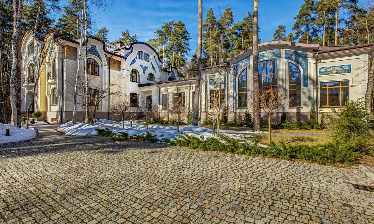 Аренда дома впоселке Сады Майендорф (бывшая территория санатория Барвиха), Рублево-Успенское шоссе