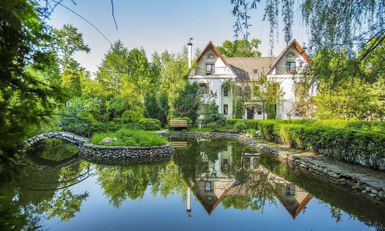 На продажу дом впоселке Баковка