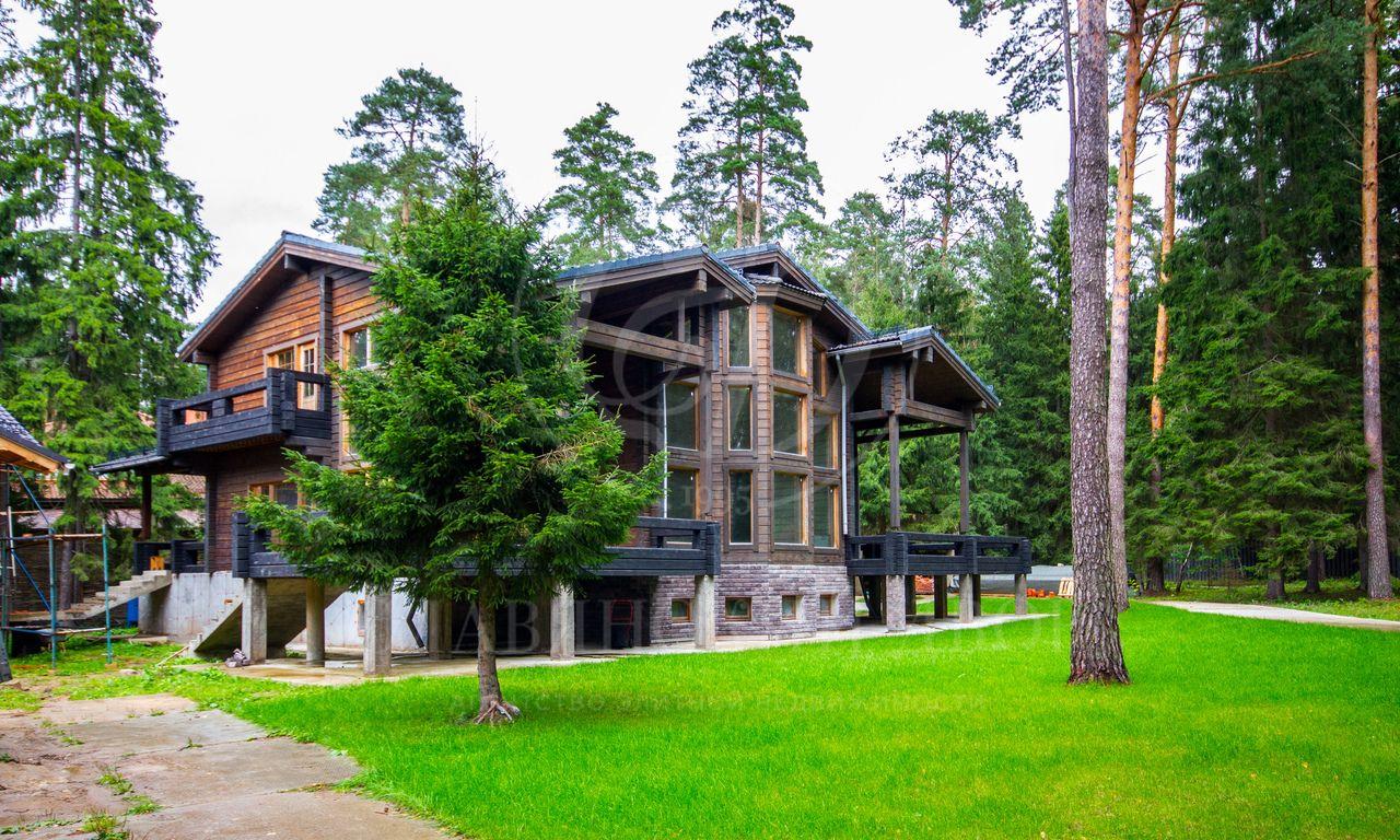 Изысканный особняк на 2гектарах соснового леса на Николиной горе