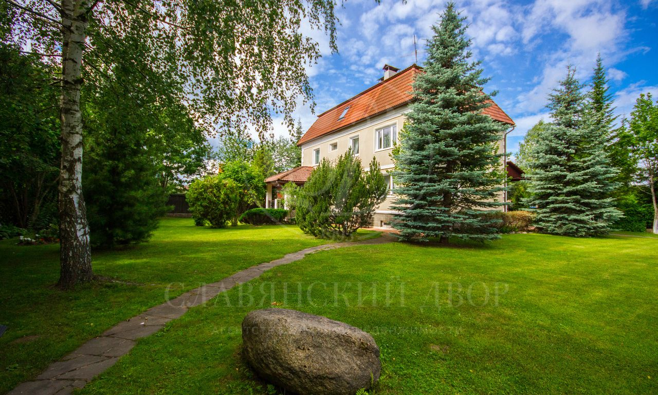 На продажу дом впоселке Звенигород