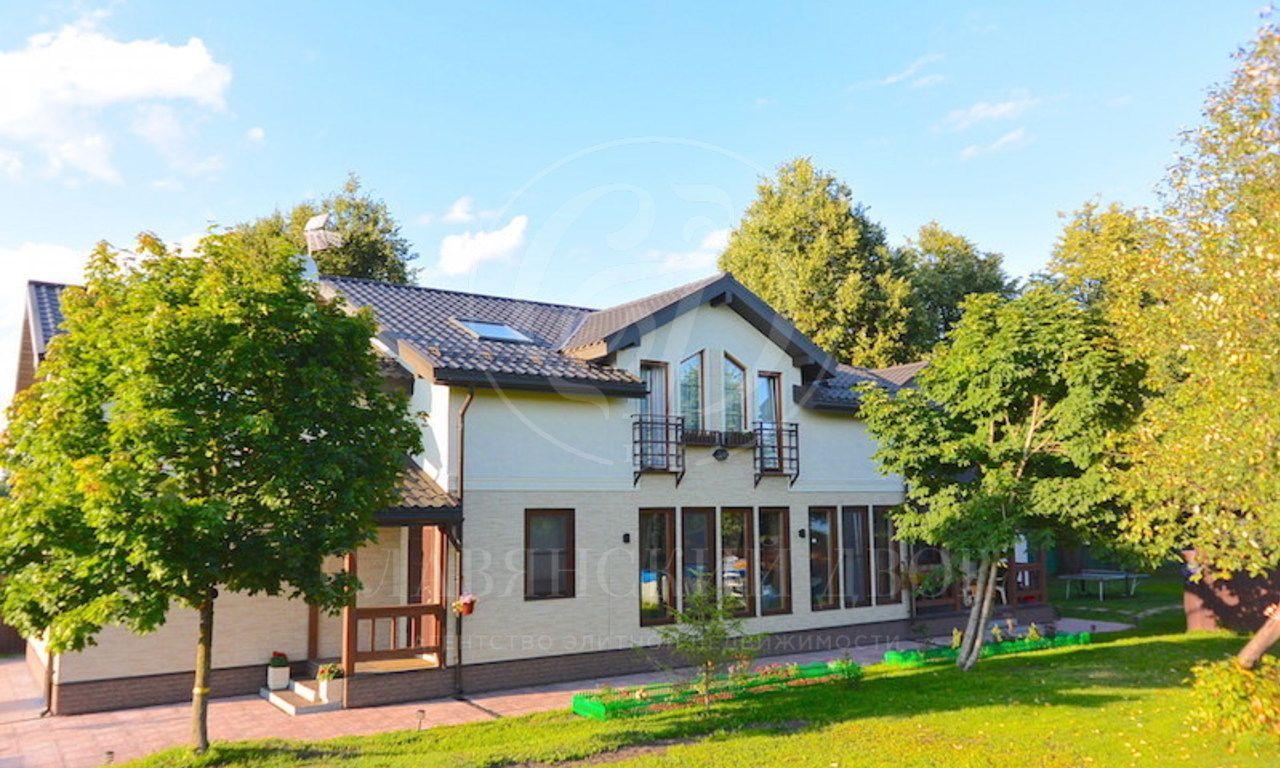 На продажу дом впоселке Лайково