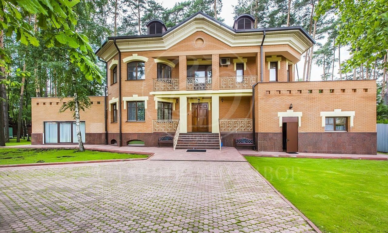 На продажу дом впоселке Заречье [Сколково], Сколковское шоссе